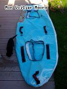 kayak Roadsign dangereux: l enveloppe extérieure. On appréciera la fibition: poi